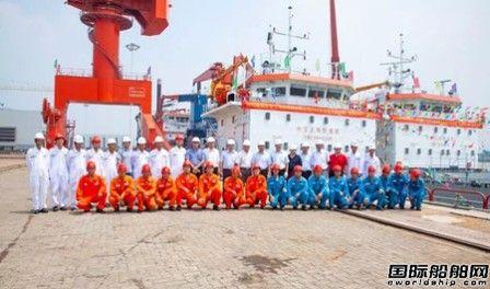 海新重工交付国内最大开体泥驳船