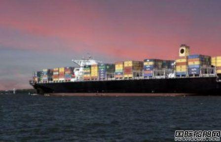 现代商船租赁一艘巴拿马型集装箱船