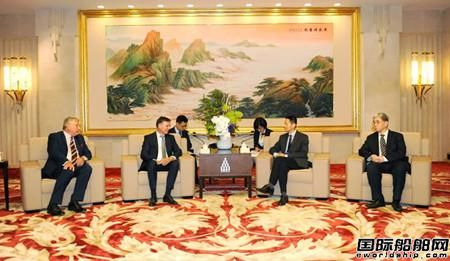 雷凡培拜会上海市委副书记、市长应勇