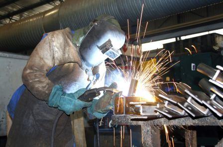 美国造船业衰退严重20年流失2万工人