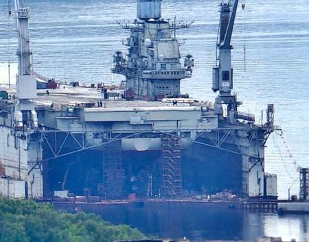 俄唯一修理航母浮船坞沉没4人受伤