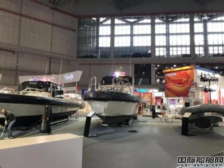美国船企Metal Shark 3艘公务船亮相进博馆