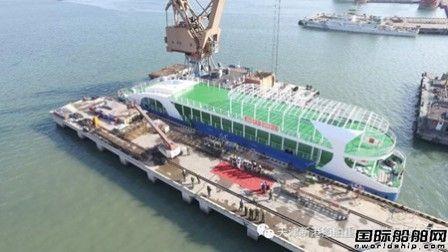 港船重工修船厂60米趸船按期交付