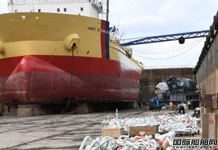达门为一艘挖泥船改造LNG双燃料动力
