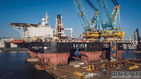 达门船厂为全球最大半潜起重船升级改造