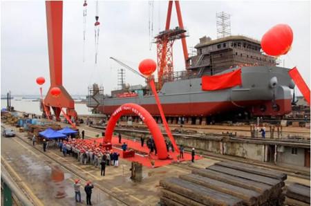 口岸船舶73米铺缆船(TKG007)命名下水