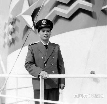 """1978年徐祖远在广州远洋公司""""永丰海""""轮任二副"""