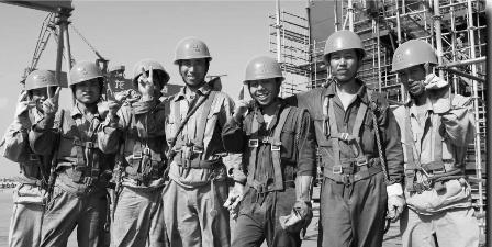 海上潮涌――中国船舶工业改革开放40年