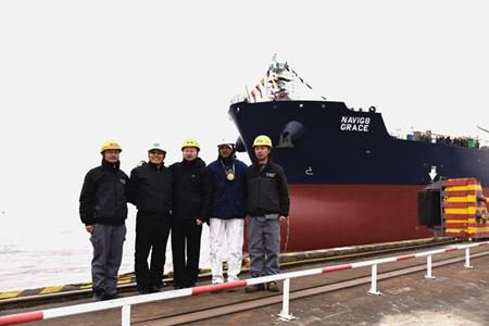 新时代造船2艘50000吨化学品船顺利下水