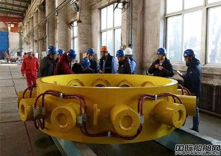 大船集团成功研制导管架裙桩夹桩器