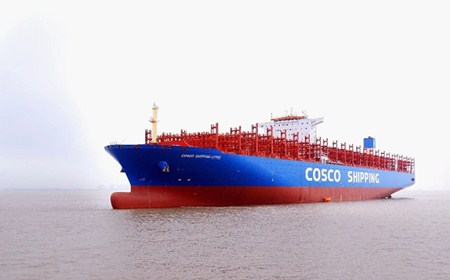 CCS检验首艘13500TEU智能集装箱船试航归来