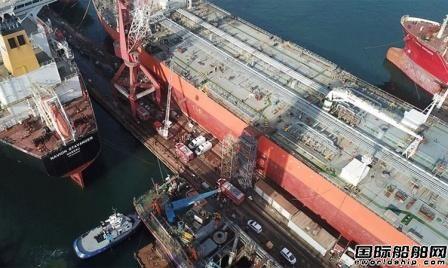 土耳其船厂一艘油船爆炸2人死亡10人受伤
