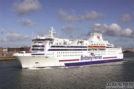 Brittany Ferries因英国脱欧修改航班影响万名乘客