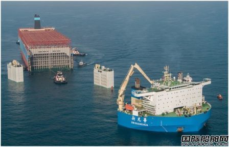 """""""新光华""""轮托运马士基""""半艘""""事故船前往韩国船厂"""