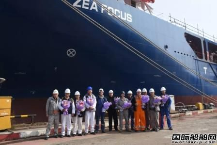 沪东中华13000吨重吊船5号船完成试航