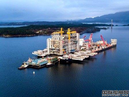 26000吨!全球最大船舶再破世界纪录