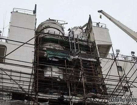 中远海运首艘安装脱硫塔船舶出厂投入运营