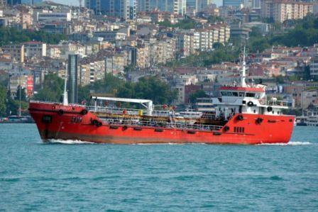 土耳其油轮救起难民却反被劫持要求开往欧洲