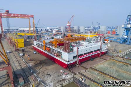 振华重工建造世界最大自升式碎石整平船下水