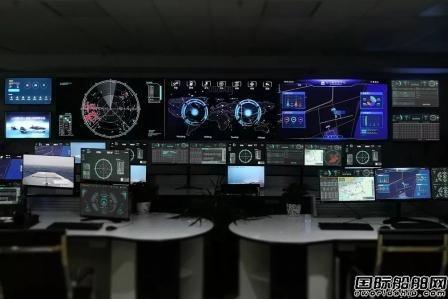 武船交付全球首款水陆两栖智能无人防务快艇