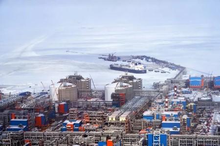 俄罗斯破冰LNG船下单在即!中国船企有戏