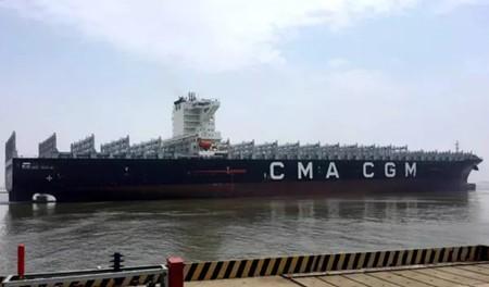 扬子江船业承建25艘万箱船背后故事