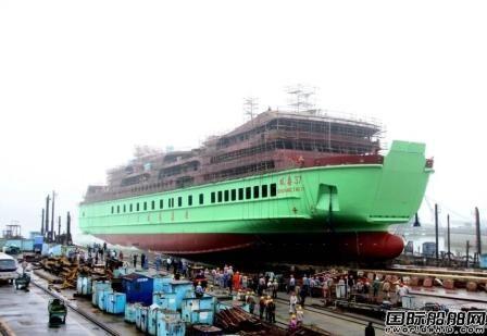 口岸船舶一艘50车999客客滚船下水