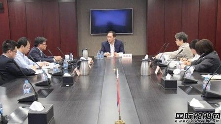 杨金成:打造有世界影响力的资本运作平台