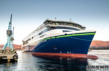全球最大插电式混合动力船下水
