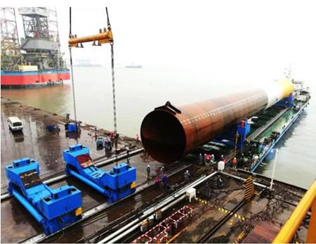 振华重工完成国内最重风电管桩滑移上船