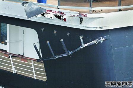 荷美邮轮旗下两艘邮轮靠岸时船尾意外相撞