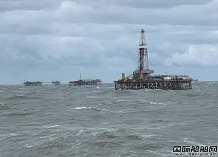 Saipem一艘铺管船起火14人受伤