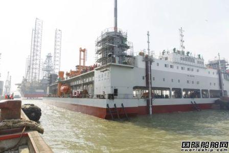振华重工建造世界最大自升平台式碎石整平船下水