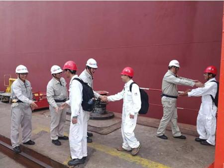 外高桥造船18万吨散货船H1460船试航凯旋