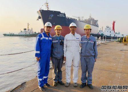 新时代造船两艘50000吨化学品油船下水