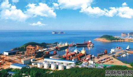 福建籍货船二氧化碳泄漏已致10人死亡