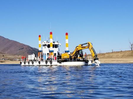 """国内首艘环保型岩盘疏浚船""""吉航铣181""""成功进行挖泥试验"""