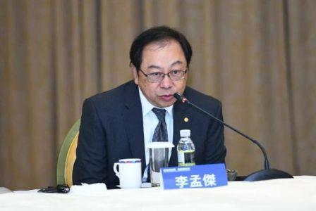 长荣海运总经理李孟�芡诵�