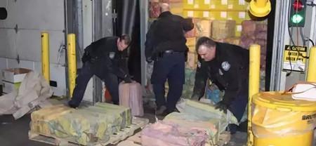 震惊!地中海航运一艘集装箱船查出16.5吨毒品