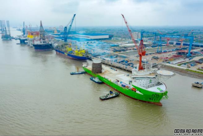启东中远海运海工全球最先进风电安装船出海试航