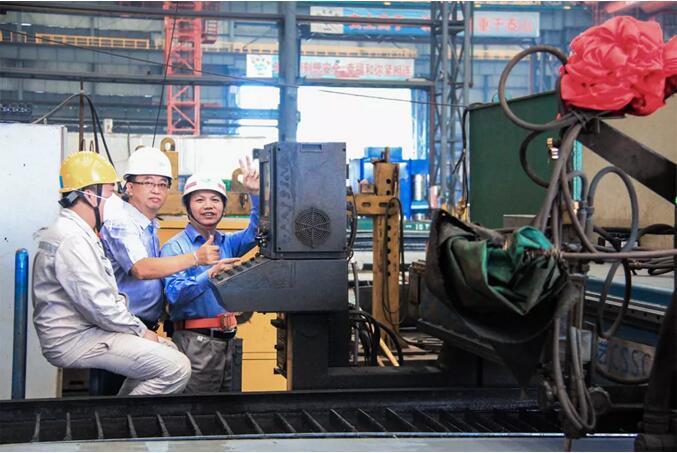 马尾造船两艘23500DWT成品油船同日开工