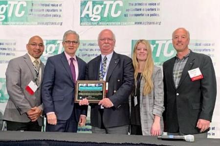 东方海外获美国农业运输联盟2019年度最佳航运商大奖