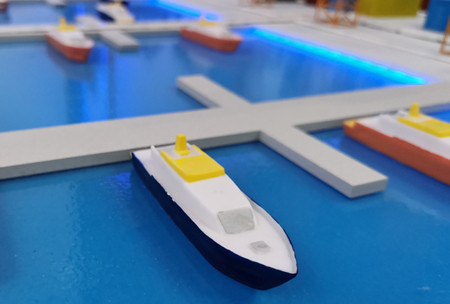 阿姆斯特丹港用海上无人机检查船舶深度