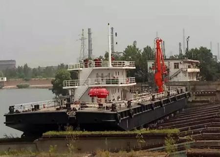 青山船厂两艘修理船舶顺利下水