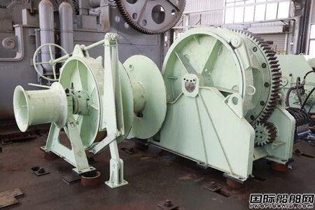 武汉船机研制系列700KN系泊绞车通过船检会检