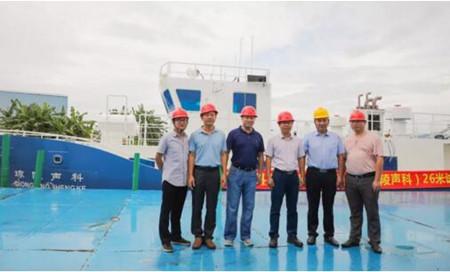 江龙船艇26米科考试验船顺利下水