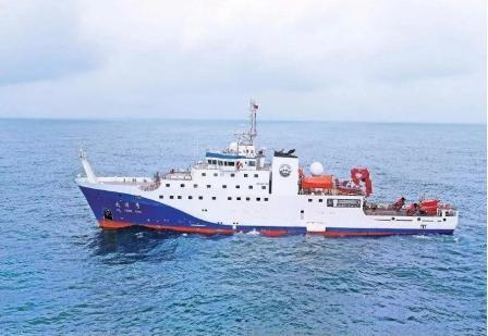 """我国首艘4000吨级科考船""""大洋号""""进行首次综合海试"""
