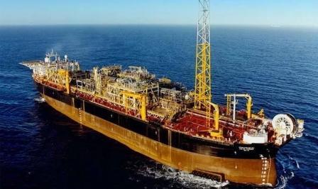 MODEC一艘FPSO出现裂缝石油漏入海中