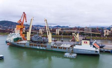 江龙船艇3艘尼日利亚批量铝合金超高速巡逻船吊装发运