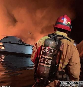 美国加州一艘潜水船失火8人死亡26人失踪